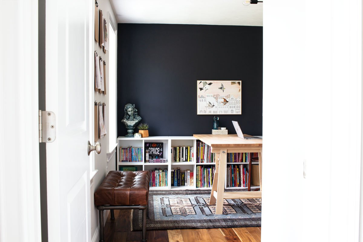 Graphic Home Office: One Room Challenge. I ADORE this graphic home office :D