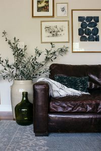 The Best Throw Pillows for a Leather Couch: 3 Perfect Combos