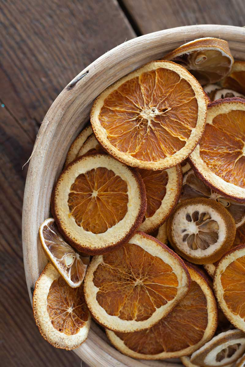 How to Dry Orange Slices + 3 Quick Decorations You Can Make With Them