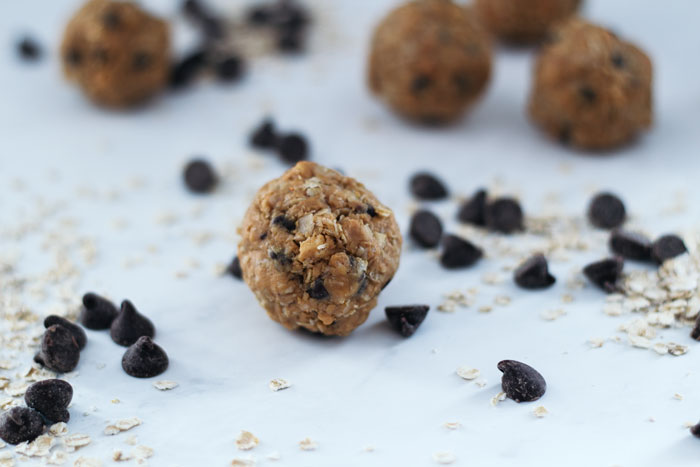 Using peanute butter, honey, quick cooking oats, and chocolate chips these 4-ingredient energy bites come together in only 5 minutes.
